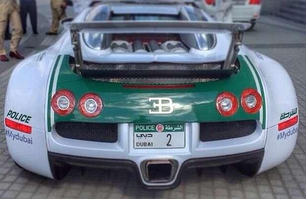 Bugatti Veyron policja