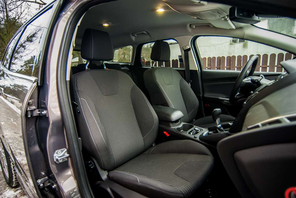 Ford Focus Kombi Titanium seats