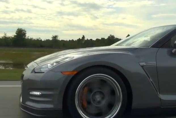 Nissan GT-R drag race
