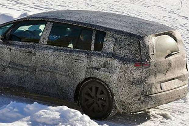 Renault Espace facelift 2015 spy