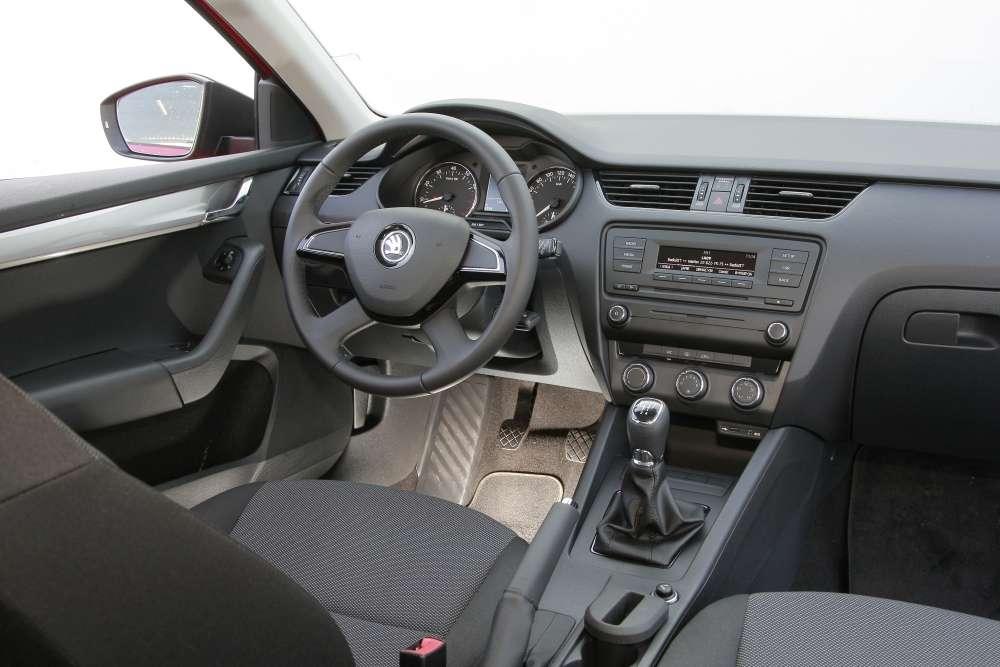Nowa Skoda Octavia III interior