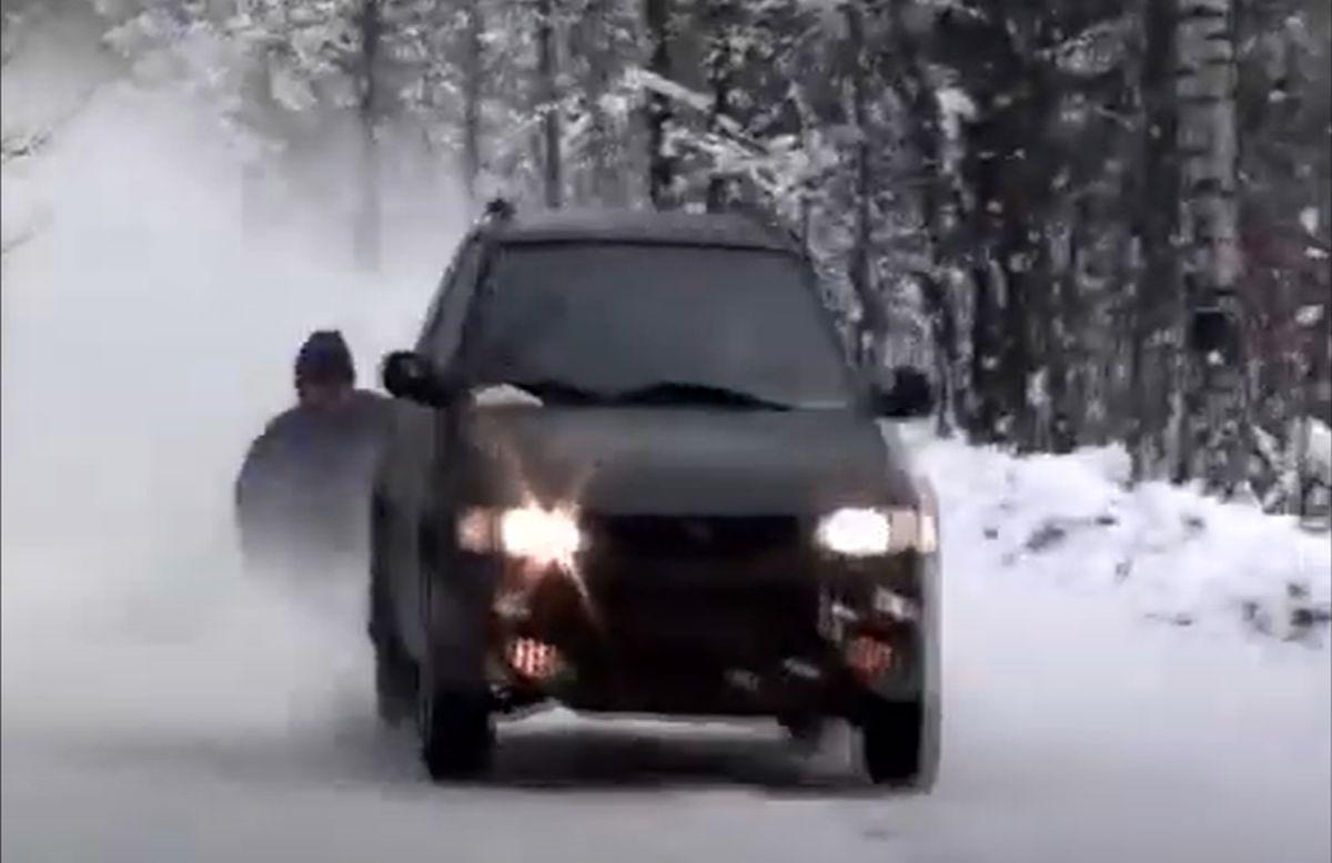 Subaru Impreza I (1993): na śniegu