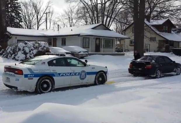 Subaru WRX policja