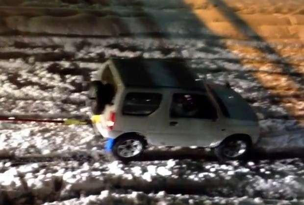 Suzuki Jimny śnieg