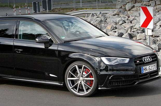 Audi RS3 mule test