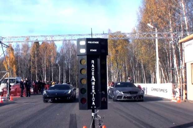 Ferrari 458 Italia vs Mercedes-Benz SL 65 AMG Black Series