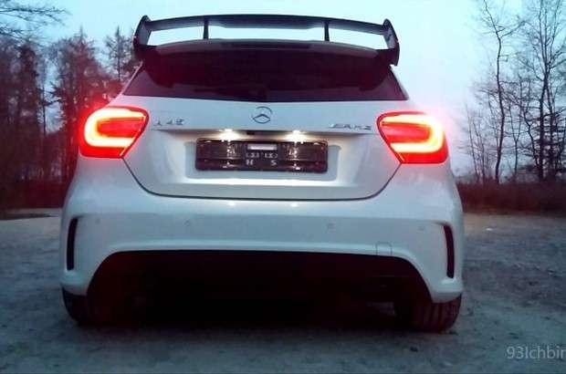 Mercedes A45 AMG tył