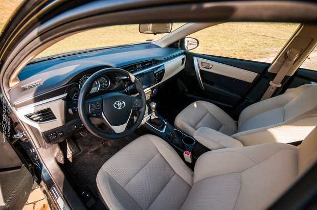 Nowa Toyota Corolla wnętrze