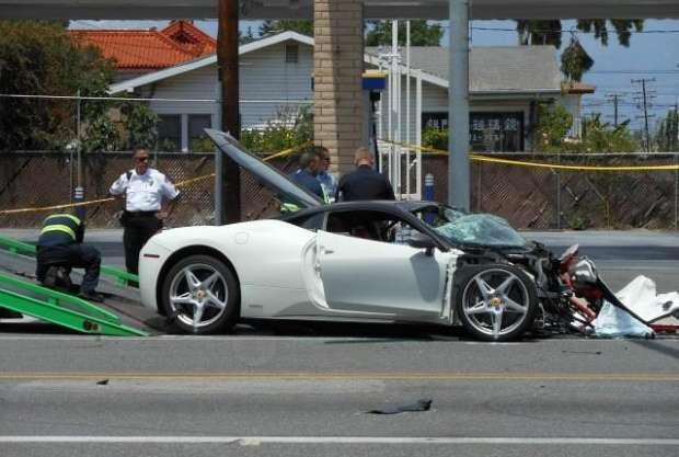 Ferrari 458 Italia crash Hyundai