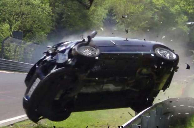 Volkswagen Golf GTI crash