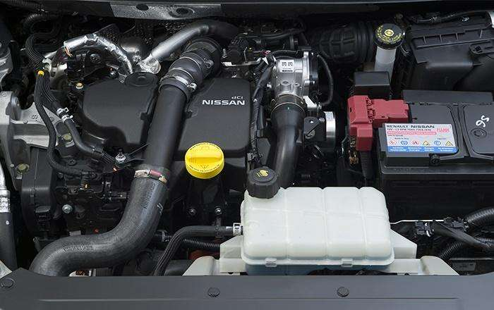 Nissan Pulsar 2014 engine