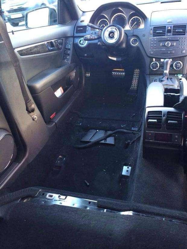 C63 AMG brak foteli