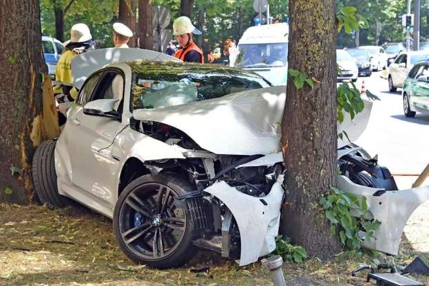 BMW M4 Coupe crash