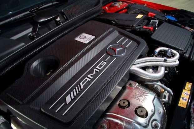 Mercedes A45 AMG engine