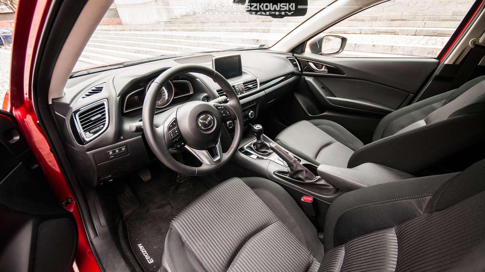 Mazda 3 2.0 SkyActiv-G interior