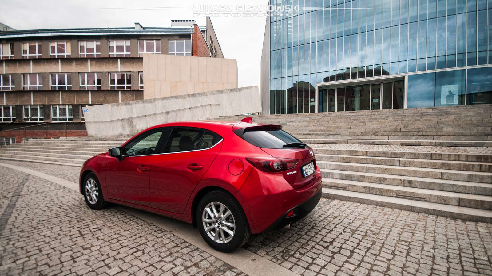 mazda 3 2 0 skyactiv g 2 0 165 km skyenergy motofilm. Black Bedroom Furniture Sets. Home Design Ideas