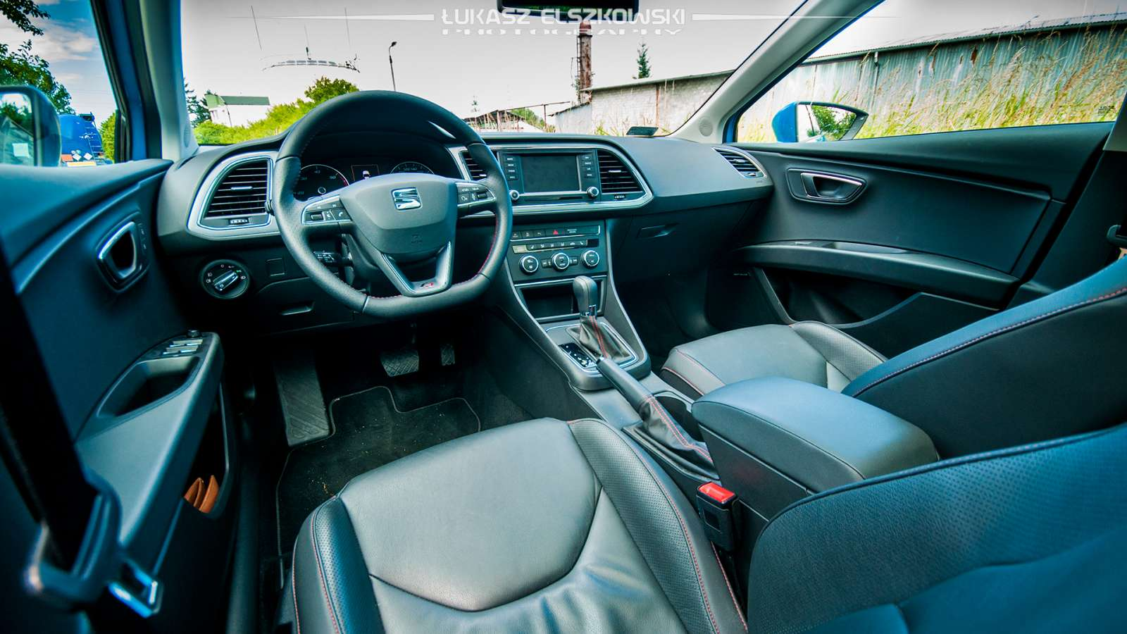 Seat Leon ST FR interior