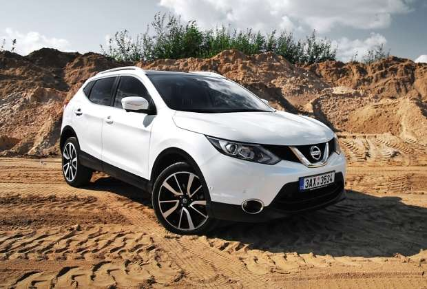 nowy nissan qashqai dci 130 4 4 test motofilm. Black Bedroom Furniture Sets. Home Design Ideas