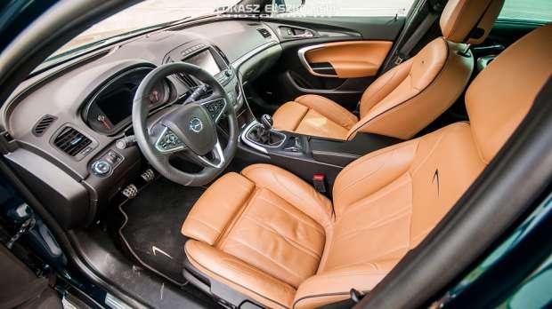 Opel Insignia 2014 interior