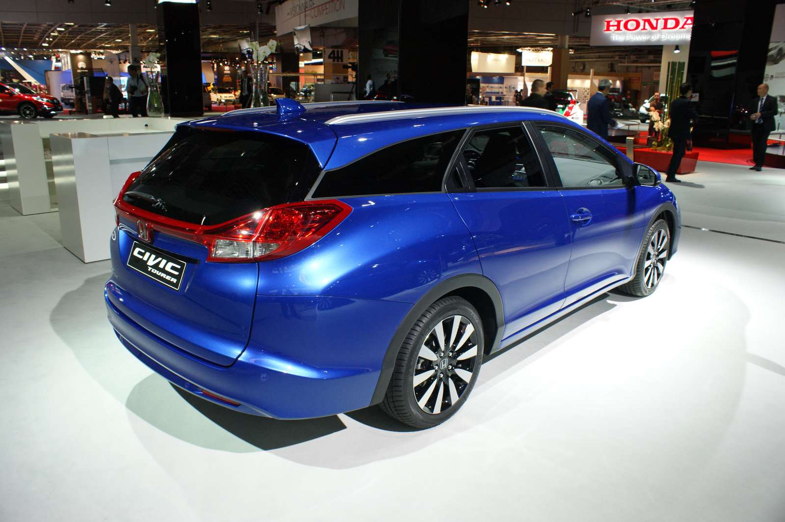 Honda-Civic-Tourer-02