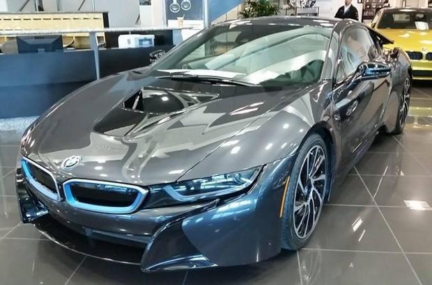 BMW i8 salon