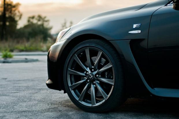 Lexus IS-F tire