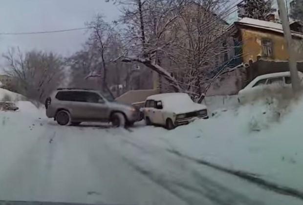 Toyota Land Cruiser zima