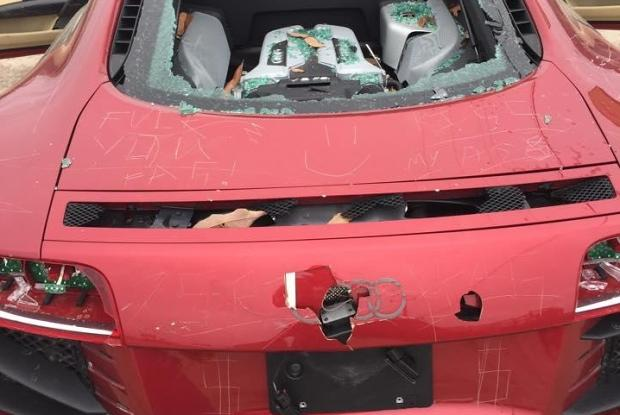 Audi R8 Damaged