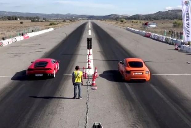 Audi TT vs Lamborghini Huracan