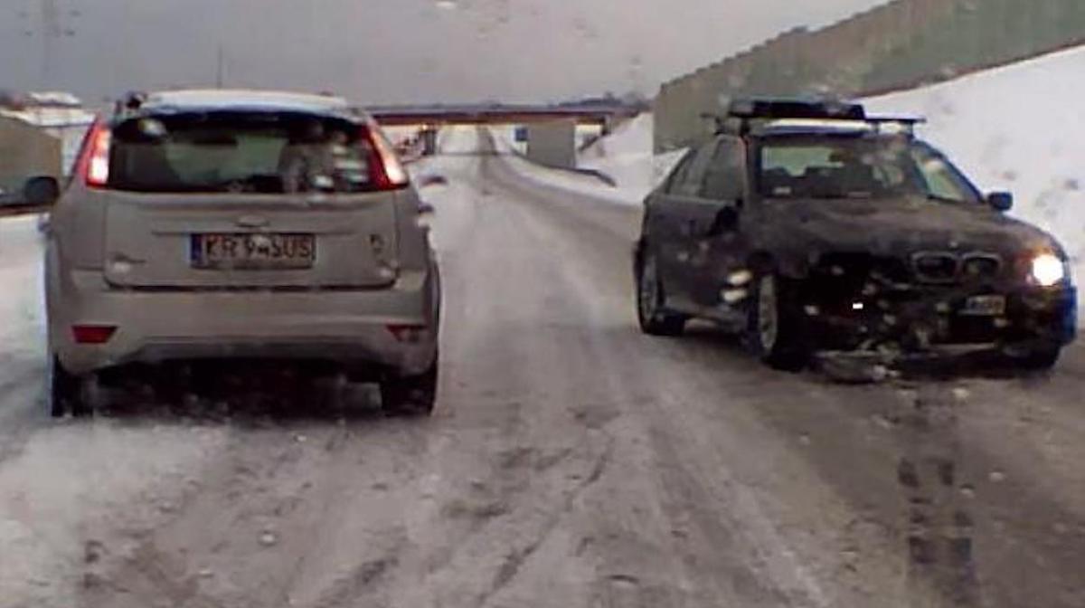 BMW serii 5 (E39): wypadek na A4
