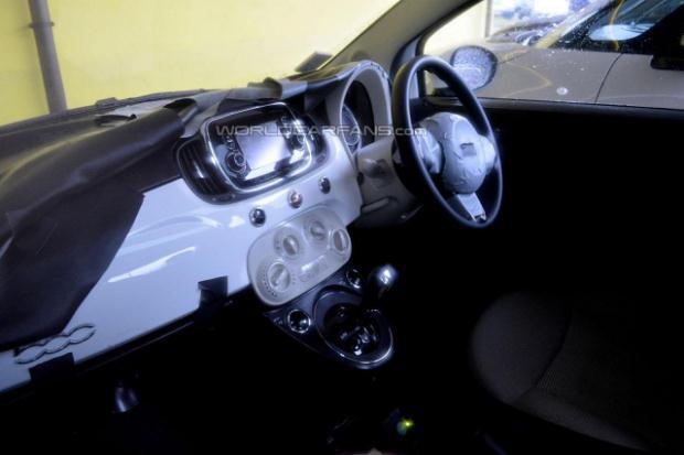 Fiat 500 2016 facelift interior spy