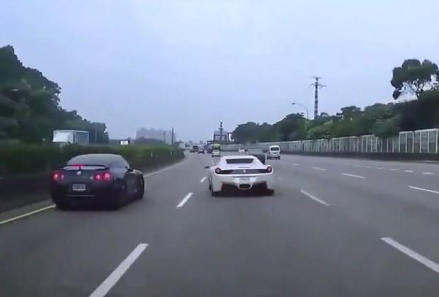 Nissan GT-R vs Ferrari 458 Italia