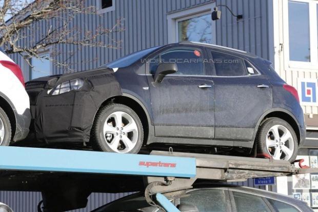 Opel Mokka 2016 facelift spy