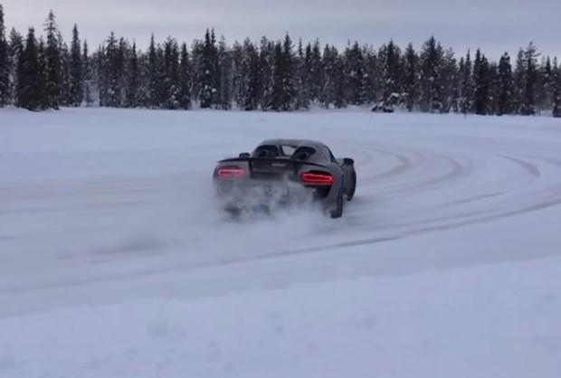 Porsche 918 Spyder snow