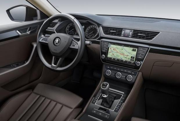 Skoda Superb 2015 interior