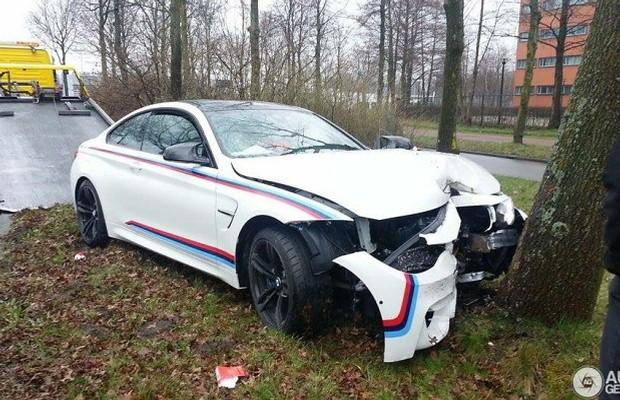 BMW M4 crash