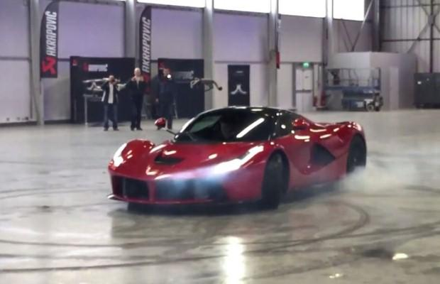 Ferrari LaFerrari burnout