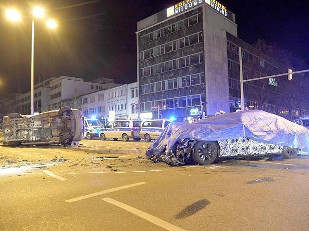 BMW serii 7 2016 crash