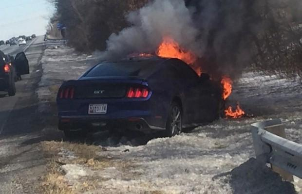 Ford Mustang GT fire
