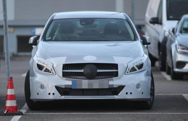 Mercedes A-klasa facelift spy