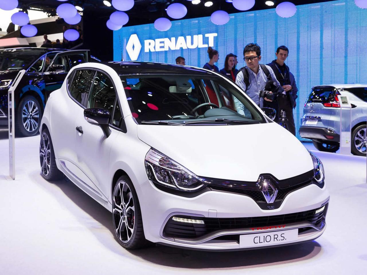 renault clio rs 220 trophy edc genewa 2015. Black Bedroom Furniture Sets. Home Design Ideas