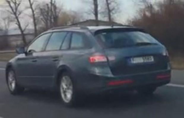 Skoda Superb Kombi spy