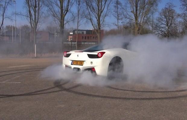 Ferrari 458 Italia burnout