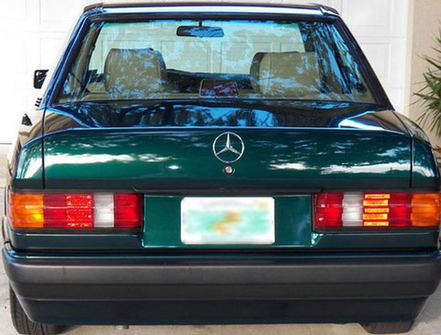 Mercedes 190E Emerald Green Metallic