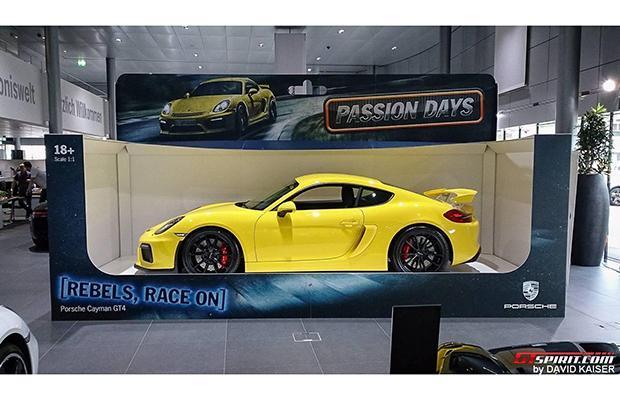 Porsche Cayman GT4 Box