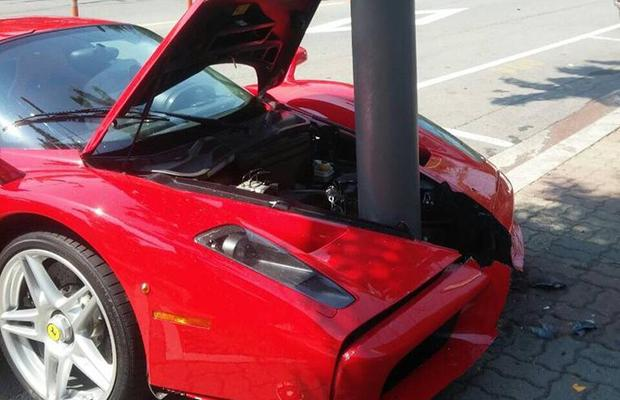 Ferrari Enzo wypadek