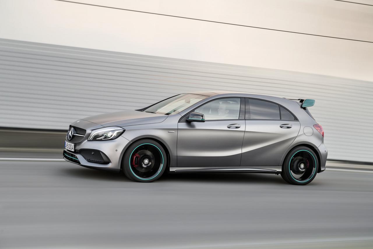 Mercedes klasy a 2016 i a45 amg oficjalnie facelift for Mercedes benz amg a45