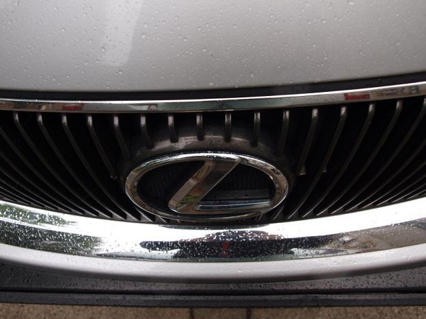 Lexus IS Logo