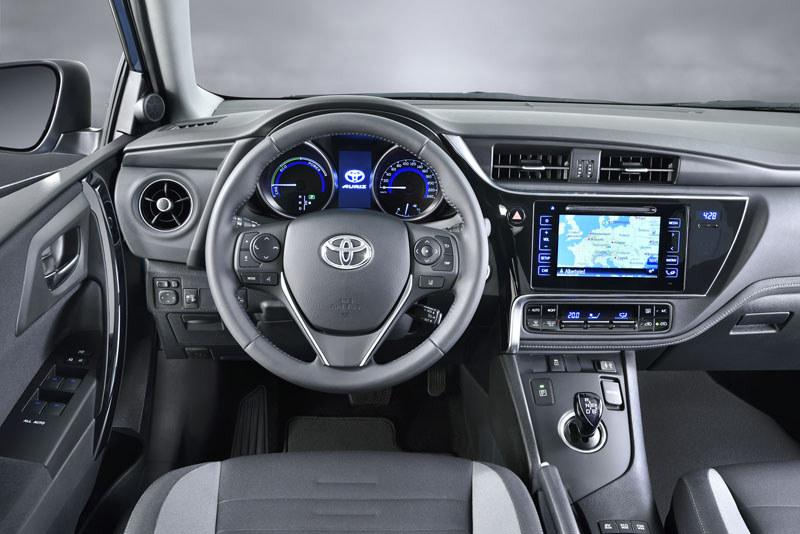 Toyota Auris 2015 Facelift 1,2 t interior