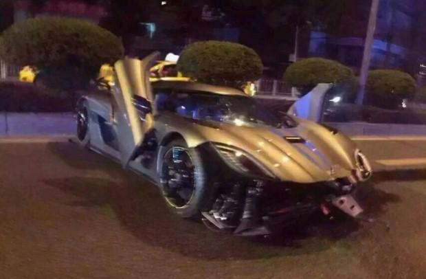 Koenigsegg Agera R crash